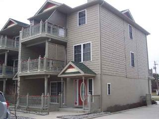 4 BR, 3.5 Bath Newer Townhouse w/pool in Cape May - Cape May vacation rentals
