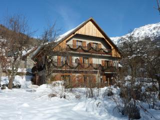 Chalet Solneige charming rooms stunning views - Vaujany vacation rentals