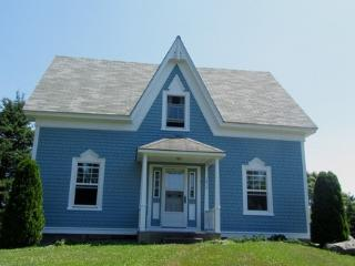 A Blue House in Louis Head, Nova Scotia - Louis Head vacation rentals
