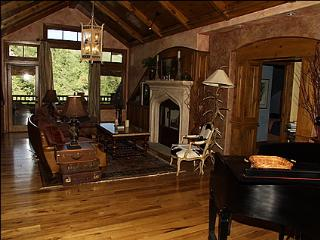 Gorgeous Penthouse Alpine Club Home - Stunning Views.  Right Next to Chair 17. (10662) - Vail vacation rentals