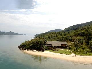 A Twilight Honeymoon...Casa em Paraty - Paraty vacation rentals