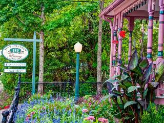 10 White Street-Victorian house-Eureka Springs, AR - Eureka Springs vacation rentals