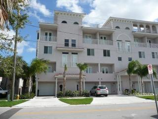 Beautiful  Clearwater  Beach  Townhouse  For  Rent - Clearwater Beach vacation rentals