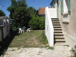 stone house completely ecologically renovated - Le Chateau d'Oleron vacation rentals