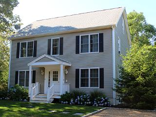 1611 - Beautiful Colonial in Oak Bluffs with Air Conditioning - Edgartown vacation rentals