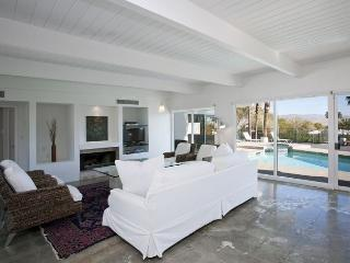 Hilltop Haven ~ Special - Take 15% off 5 Nights thru 8/28 - Palm Springs vacation rentals