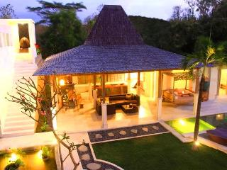 SLEEPS 10!  ELEGANT TROPICAL DESIGN & CLIFF VIEWS - Jimbaran vacation rentals