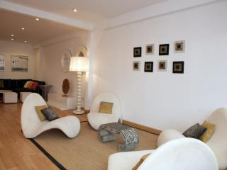 Cosy villa in Valencia city beach front - Valencia vacation rentals