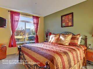 1 Bedroom Tuscan Oasis--walk to the Pike Place Market! - Seattle vacation rentals