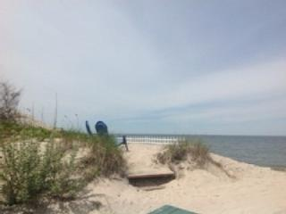 1BR Real Beach House on the Sand North Fork Wineries kayak weekend getaway Romantic - Long Island vacation rentals