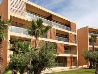 Spacious Three Bedroom Apartment in the Five Star Salgados Resort - Guia vacation rentals