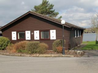 HOPE LODGE, Pine Lake, Carnforth, Lancashire - North West England vacation rentals