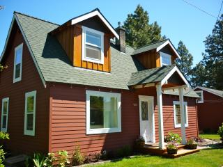 The Red House in the heart of Bend's Westside - Bend vacation rentals