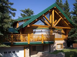 Chalet # 131 - 3 Bedroom Mountain View Log Home - Canadian Rockies vacation rentals