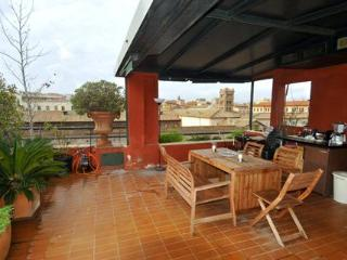 Romantic Roman 2 Bedroom Penthouse Near Everything - Rome vacation rentals