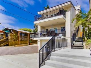 Gaby's La Jolla Beach Getaway - 3 Bedroom / 3 Bath, Sleeps 10 - San Diego vacation rentals