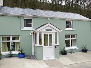 Holiday Cottage - Min yr Afon Cottage, Solva - Solva vacation rentals