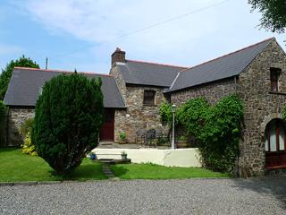 Pet Friendly Holiday Cottage - Smugglers, Nr Aberbach Bay, Dinas Cross - Dinas Cross vacation rentals