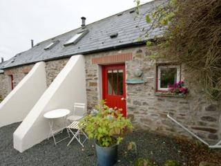 Pet Friendly Holiday Cottage - Buzzard Cottage, Talbenny Hall, Little Haven - Little Haven vacation rentals