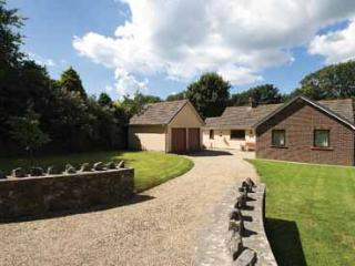 Child Friendly Holiday Home - Ty Cariad, Manorbier - Manorbier vacation rentals