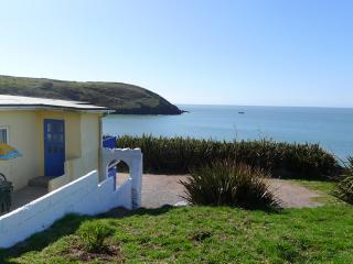 Holiday Home - The Dak, Manorbier - Manorbier vacation rentals