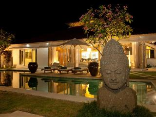 Luxury Villa, central & minutes to Seminyak Beach - Seminyak vacation rentals