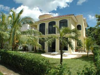 2 Bed apt in Villa, Playa del Carmen, beach - 200m - Playa del Carmen vacation rentals