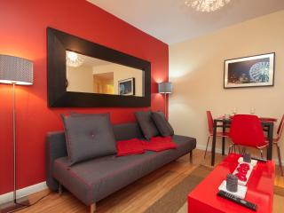 Beautiful 3 Bedroom 10- 15mins to Times Square - New York City vacation rentals