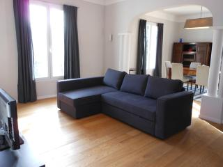 wonderful 2 beds flat, ac, garden, wifi, terrace, Port of Nice - Nice vacation rentals