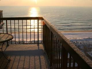 OCEANFRNT 3 Br N. O.C Luxury Cndo Slp.6 - SeaWatch - Ocean City Area vacation rentals