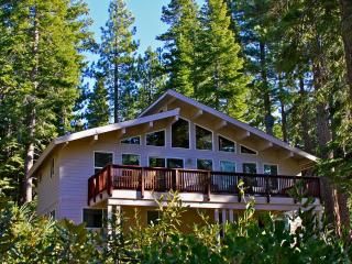 Luxury Family Cabin only 2 blocks from the beach! - Carnelian Bay vacation rentals