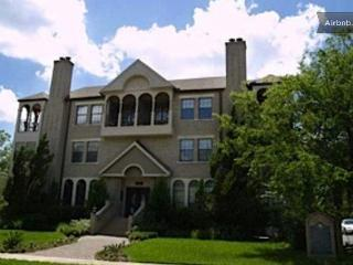 30 day plus rental: DTown Austin 2b/2.5 lux condo - Austin vacation rentals
