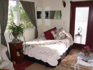Charming Country Cottage - Cherry Valley vacation rentals