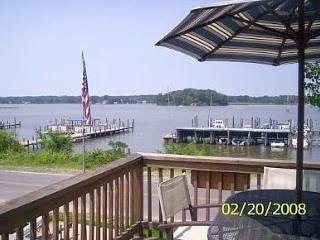 Waterfront Retreat on Monroe Bay-AMAZING SUNSETS! - Colonial Beach vacation rentals