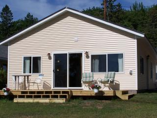 4 bedroom cabin on Portage Lake in Houghton,MI - Chassell vacation rentals