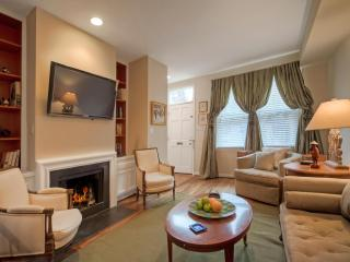 Jewel Box With a Garden in Georgetown sleeps 10! - District of Columbia vacation rentals