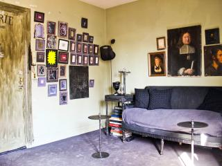 Artist Corner at George V - Paris vacation rentals