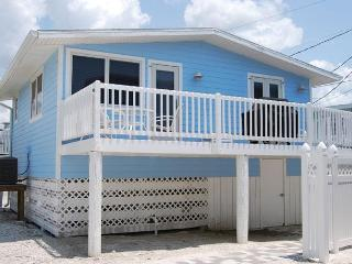 Cottages of Paradise Point - Dolphin Cottage - Fort Myers Beach vacation rentals