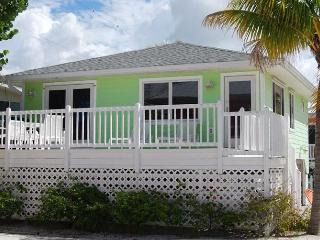 Cottages of Paradise Point - Island Cottage - Fort Myers Beach vacation rentals