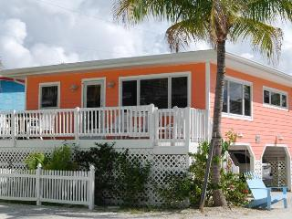 Cottages of Paradise Point - Seahorse Cottage - Fort Myers Beach vacation rentals