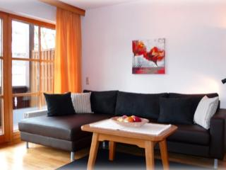 Vacation Apartment in Garmisch-Partenkirchen - 592 sqft, large balcony with mountain view, separate… - Bavarian Alps vacation rentals