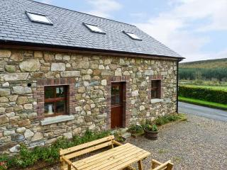 THE COACH HOUSE, pet friendly, country holiday cottage, with a garden in Gorey, County Wexford, Ref 11589 - County Wexford vacation rentals