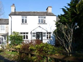 ROSE COTTAGE, pet friendly, character holiday cottage, with a garden in Witherslack, Ref 7709 - Witherslack vacation rentals