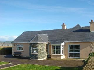 PATTY'S, pet friendly, with a garden in Portmagee, County Kerry, Ref 12155 - Portmagee vacation rentals