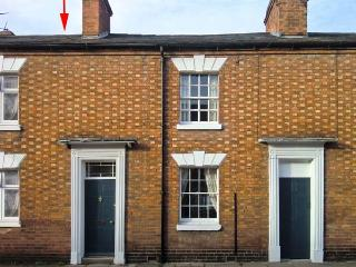 3 SHAKESPEARE STREET, family friendly, character holiday cottage, with a garden in Stratford-Upon-Avon, Ref 12176 - Stratford-upon-Avon vacation rentals
