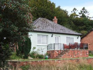 THE PINES, pet-friendly, country holiday cottage, with a garden in Bailey Lane End, Ref 11883 - Ross-on-Wye vacation rentals