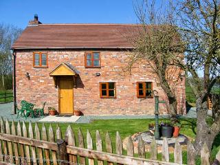 ROSE COTTAGE, family friendly, character holiday cottage, with open fire in Maesbrook, Ref 11319 - Oswestry vacation rentals