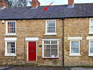 DAISY COTTAGE, pet friendly, character holiday cottage, with a garden in Pickering, Ref 10269 - Pickering vacation rentals