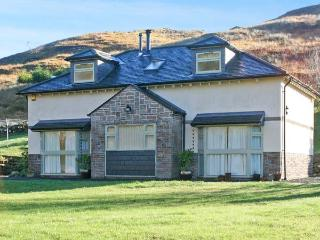GLEN EUCHAR HOUSE, family friendly, luxury holiday cottage, with hot tub in Oban, Ref 12167 - Oban vacation rentals