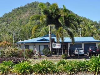 5 Bedroom House close to Trinity Beach, pool, spa - Cairns District vacation rentals